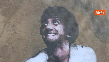 7 - Gigi Proietti sui muri di Roma. I murales omaggio all'attore in giro per la città