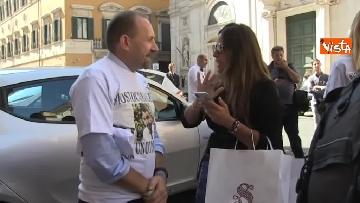 8 - #IoStoConSalvini, senatori Lega in piazza per esprimere solidarietà a ministro dell'Interno