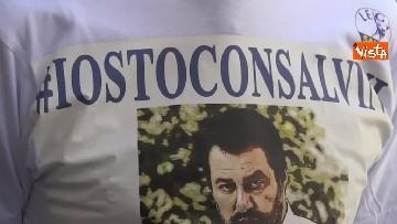 10 - #IoStoConSalvini, senatori Lega in piazza per esprimere solidarietà a ministro dell'Interno