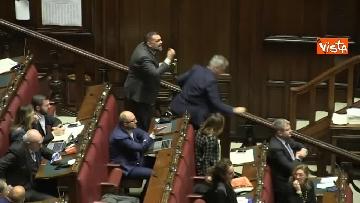 2 - Scontro in aula tra PD e Fratelli d'Italia, rissa sfiorata tra i deputati