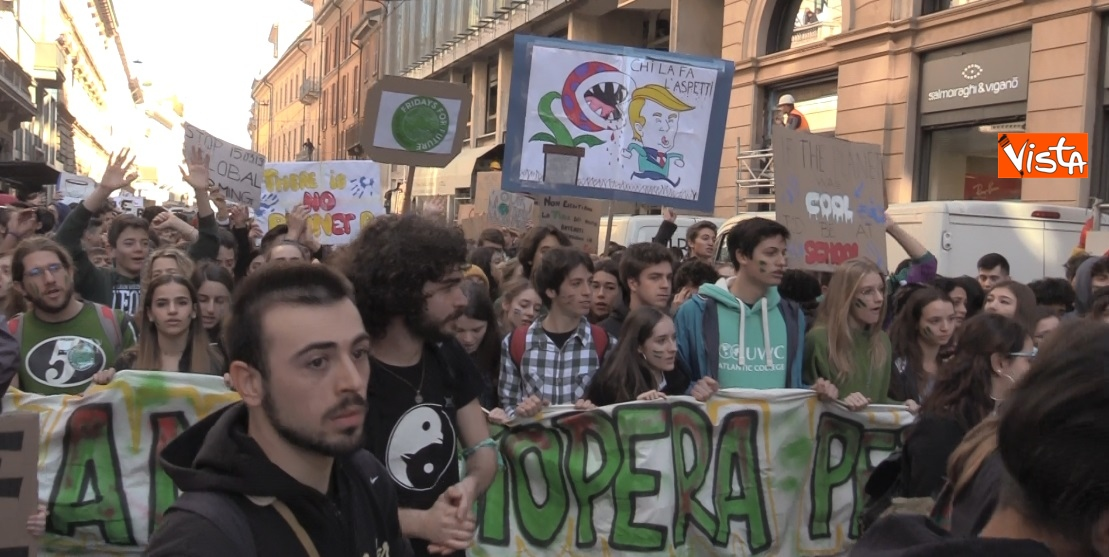 Gli studenti scioperano per il clima  a Milano_03