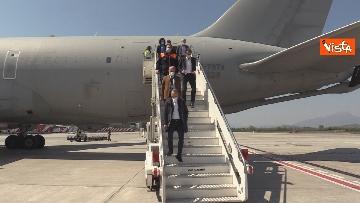 9 - In volo con il ministro Boccia e gli infermieri volontari che vanno al nord a combatter il covid