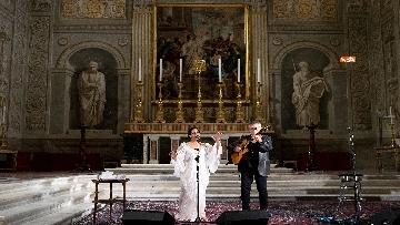 3 - Noa e Gil Dor incantano il pubblico del concerto di Natale al Quirinale