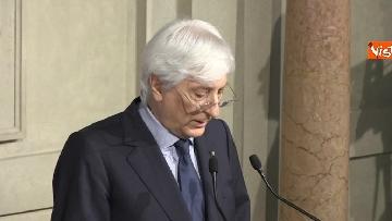 11 - Roberto Fico e il segretario generale del Quirinale Ugo Zampetti dichiarano al termine delle Consultazioni