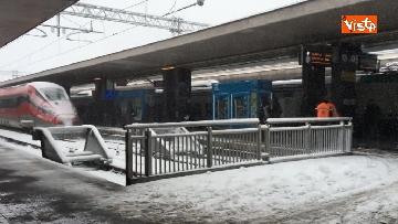 1 - La neve ricopre le strade di Roma