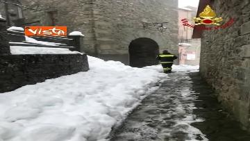 """2 - Maltempo e neve, Vigili del fuoco: """"150 interventi in 24 ore tra Veneto e Toscana"""". Le immagini"""