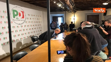 6 - Zingaretti incontra la stampa al Nazareno