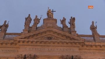 4 - Piazza San Giovanni in Laterano deserta. Nessun turista e la Basilica è spettrale