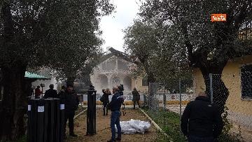 9 - La demolizione della villa dei Casamonica
