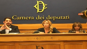 15 - Meloni in conferenza a Montecitorio