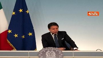 8 - La conferenza stampa di Conte a Palazzo Chigi