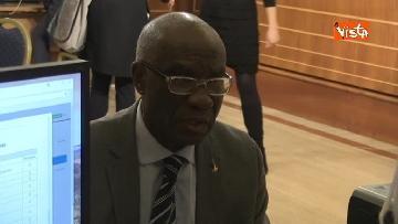 7 - Tony Iwobi, il primo senatore di colore fa il suo ingresso al Senato