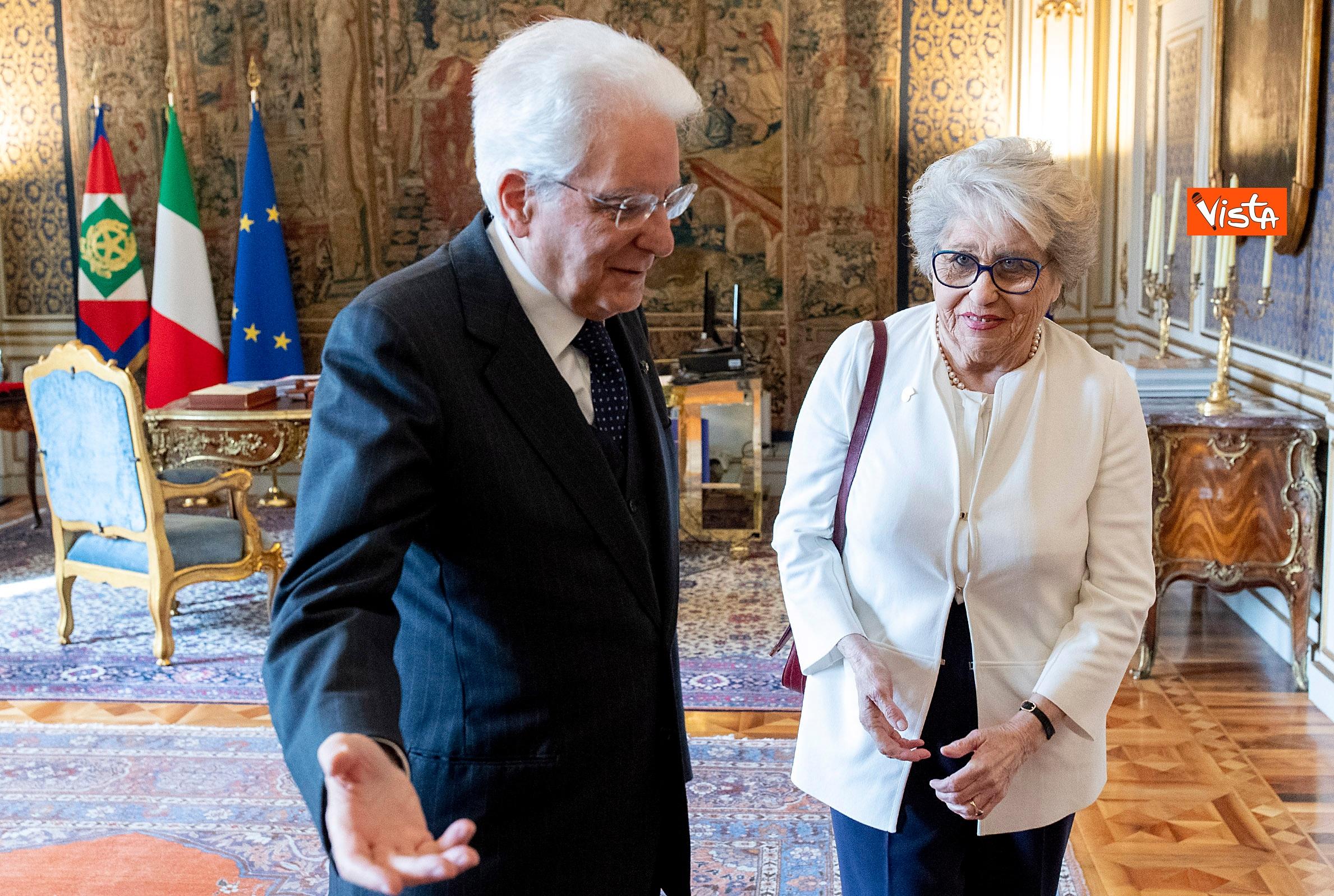 Mattarella incontra rappresentante de 'Il Telefono Rosa'