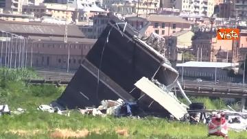 5 - Ponte Morandi, le immagini del luogo del crollo