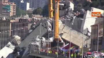 2 - Ponte Morandi, le immagini del luogo del crollo