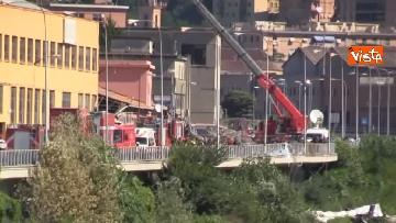 3 - Ponte Morandi, le immagini del luogo del crollo