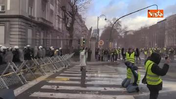 7 - I Gilet gialli protestano a Bruxelles