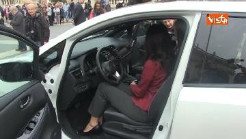4 - La nuova auto elettrica cosegnata alla Sindaca di Roma