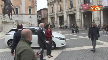 1 - La nuova auto elettrica cosegnata alla Sindaca di Roma