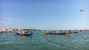 1 - Il giorno della 'Regata Storica' a Venezia, il tradizionale corteo di barche in Canal Grande