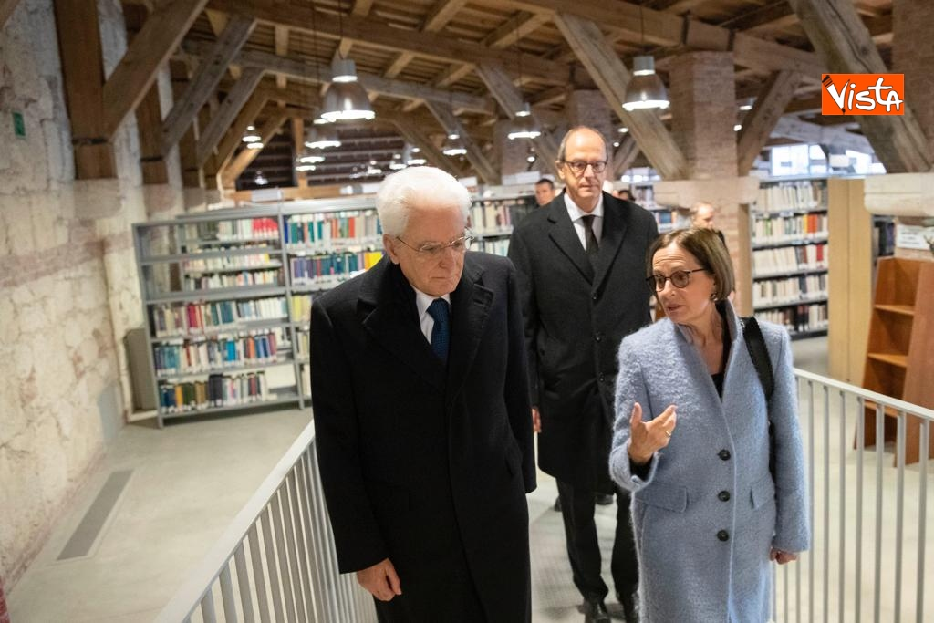 Mattarella visita la biblioteca dell'Universita' di Verona_03