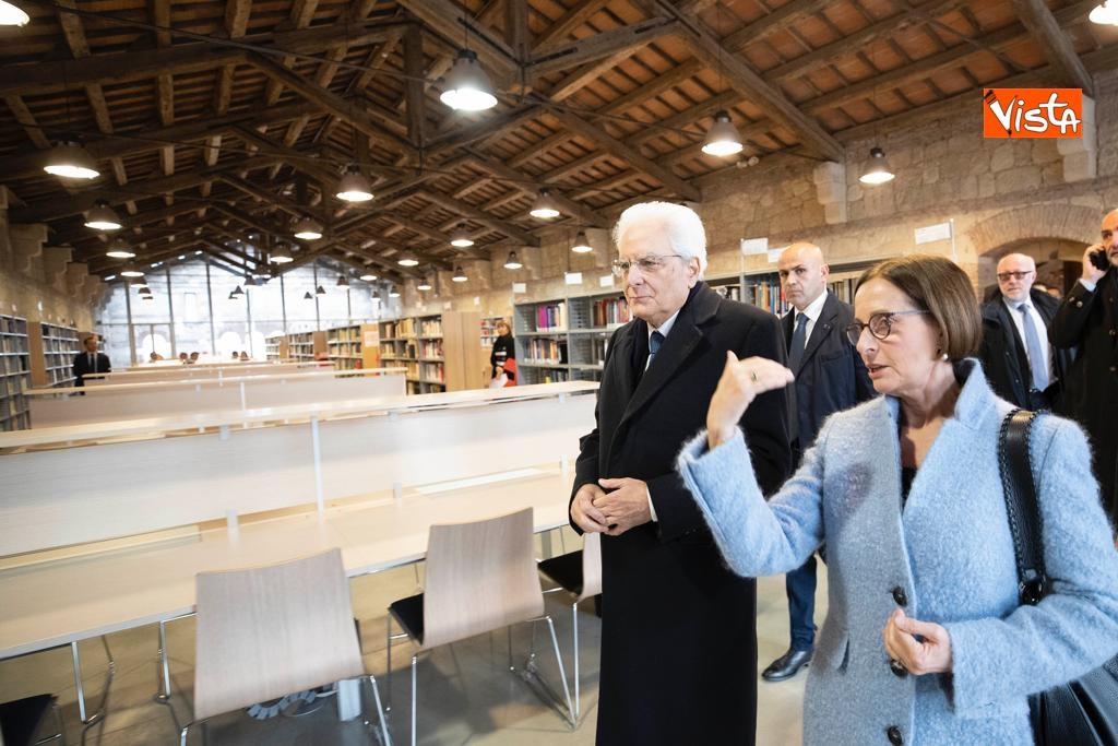 Mattarella visita la biblioteca dell'Universita' di Verona_04