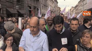 7 - Marcia antirazzista a Milano, in 200mila sfilano per le vie della città