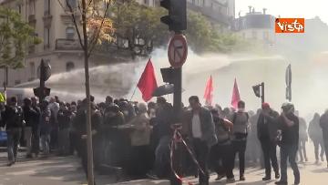 17 - Gilet gialli, 1 Maggio di scontri a Parigi