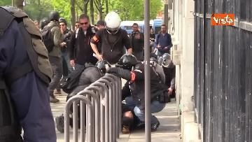12 - Gilet gialli, 1 Maggio di scontri a Parigi