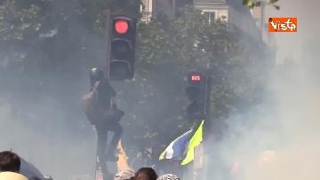 2 - Gilet gialli, 1 Maggio di scontri a Parigi