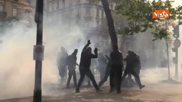 13 - Gilet gialli, 1 Maggio di scontri a Parigi