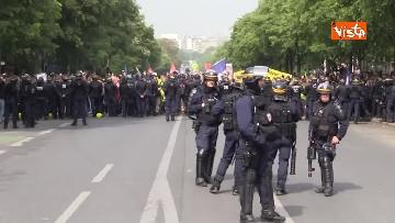 9 - Gilet gialli, 1 Maggio di scontri a Parigi