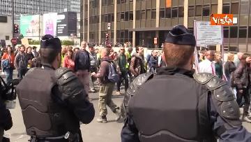 4 - Gilet gialli, 1 Maggio di scontri a Parigi