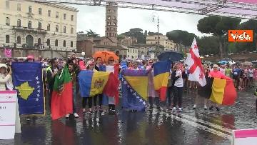 8 - La 20esima edizione della Race for the Cure a Roma