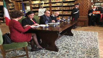 4 - Cultura, Mibac restituisce a Messico 594 dipinti ex voto, la firma fra Bonisoli e ministra Guerrero