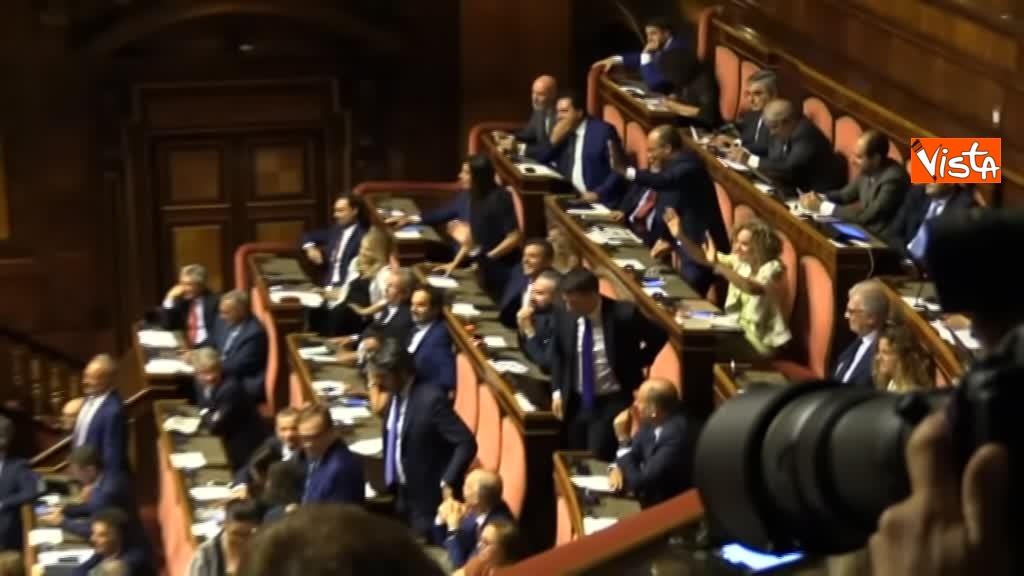 11-09-19 Tutte le bagarre al Senato il giorno della fiducia al Governo Conte 07_Pd fa Ciao a Salvini