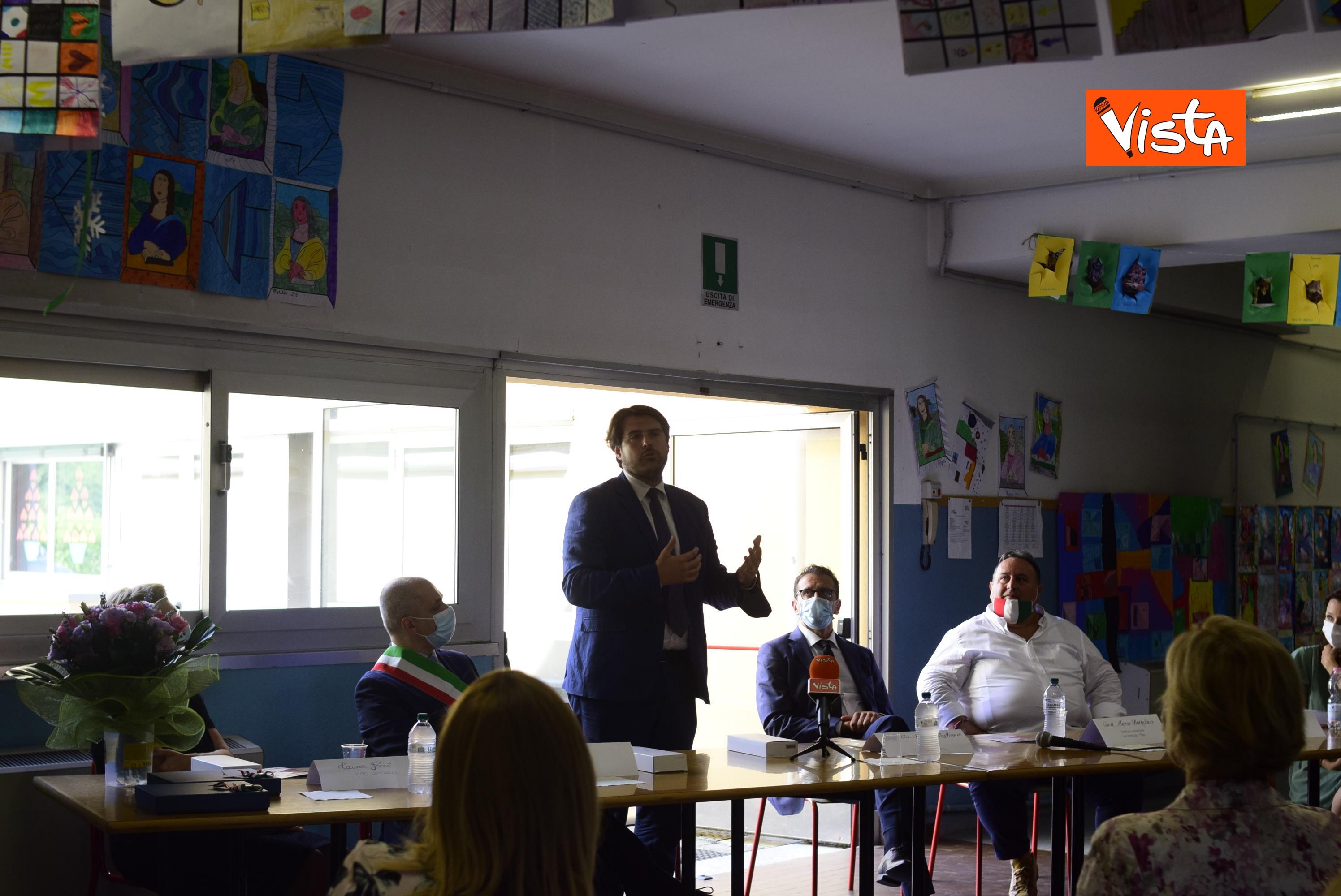 10-07-20 Scuola Nasce il progetto Carugo per la riapertura in sicurezza a settembre della scuola _03