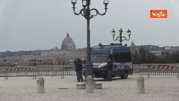 1 - Pasqua in zona rossa, vietato l'accesso alla Terrazza del Pincio a Roma