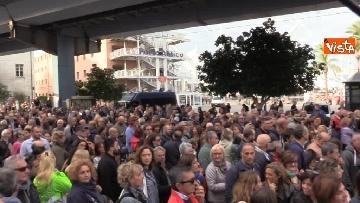 9 - Crollo ponte, la manifestazione degli sfollati a Genova