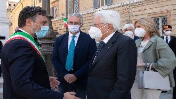 1 - Mattarella accende la Lampada per la Pace a Loreto