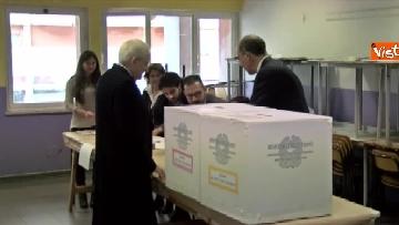 5 - Mattarella a Palermo, il presidente della Repubblica vota nella sua città