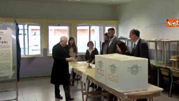4 - Mattarella a Palermo, il presidente della Repubblica vota nella sua città