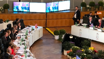 3 - Fico a Vienna per la riunione dei presidenti delle Camere Ue