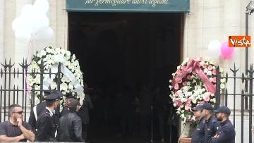 8 - Bara bianca e palloncini, il funerale di Pamela Mastropietro