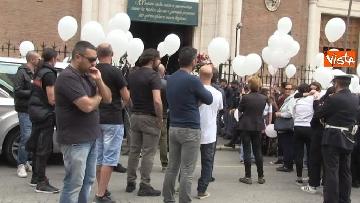 10 - Bara bianca e palloncini, il funerale di Pamela Mastropietro