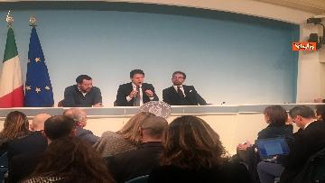 4 - Conte, Salvini e Bonafede in conferenza stampa a Chigi immagini