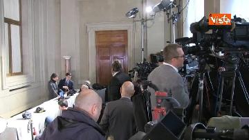 2 - Consultazioni, telecamere in posizione in attesa dei primi incontri con Mattarella