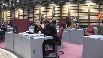 4 - Primo giorno alla Camera, i nuovi eletti alle prese con la registrazione a Montecitorio