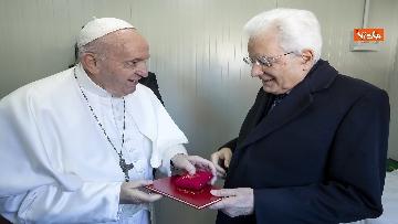 4 - Mattarella a Bari assiste alla messa di Papa Francesco, le immagini