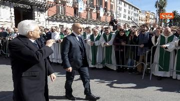 5 - Mattarella a Bari assiste alla messa di Papa Francesco, le immagini
